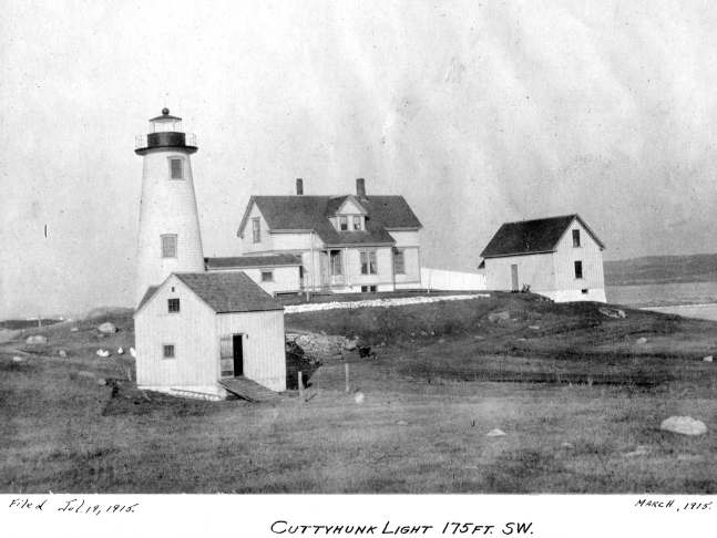 Cuttyhunk_Lighthouse_MA_1915